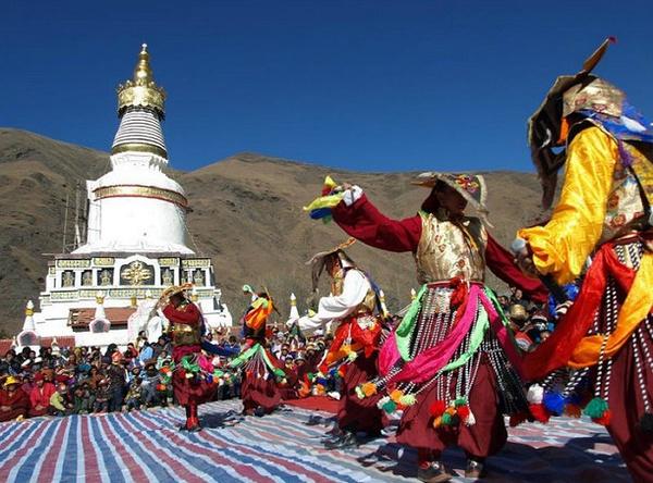 藏历新年——西藏包车旅游感受藏区